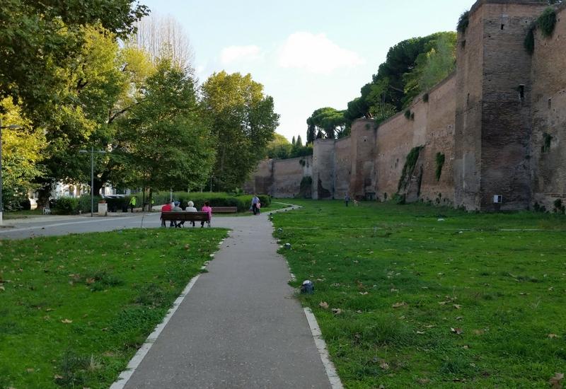 Scorcio del parco delle Mura Aureliane