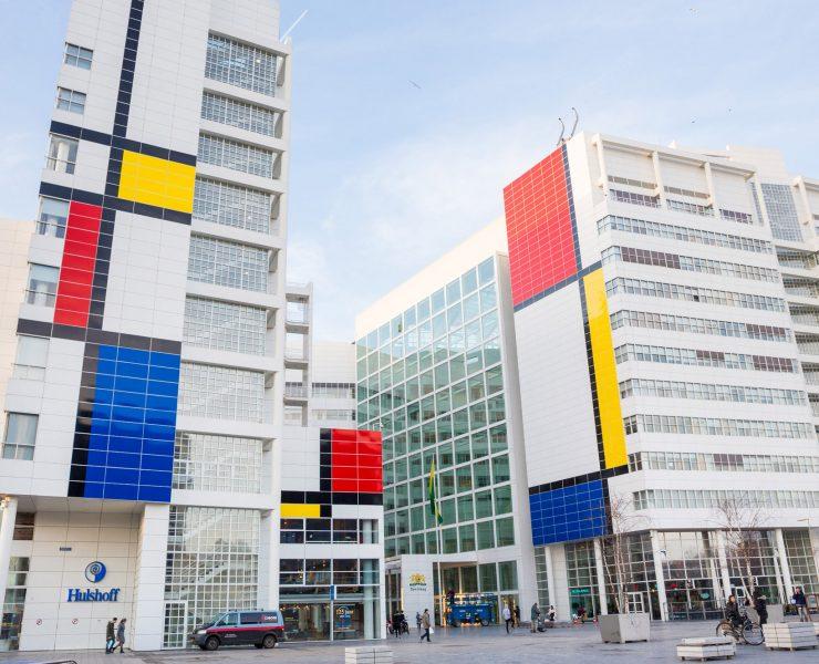 L'Aia rende omaggio a Piet Mondrian con quest'opera gigantesca!