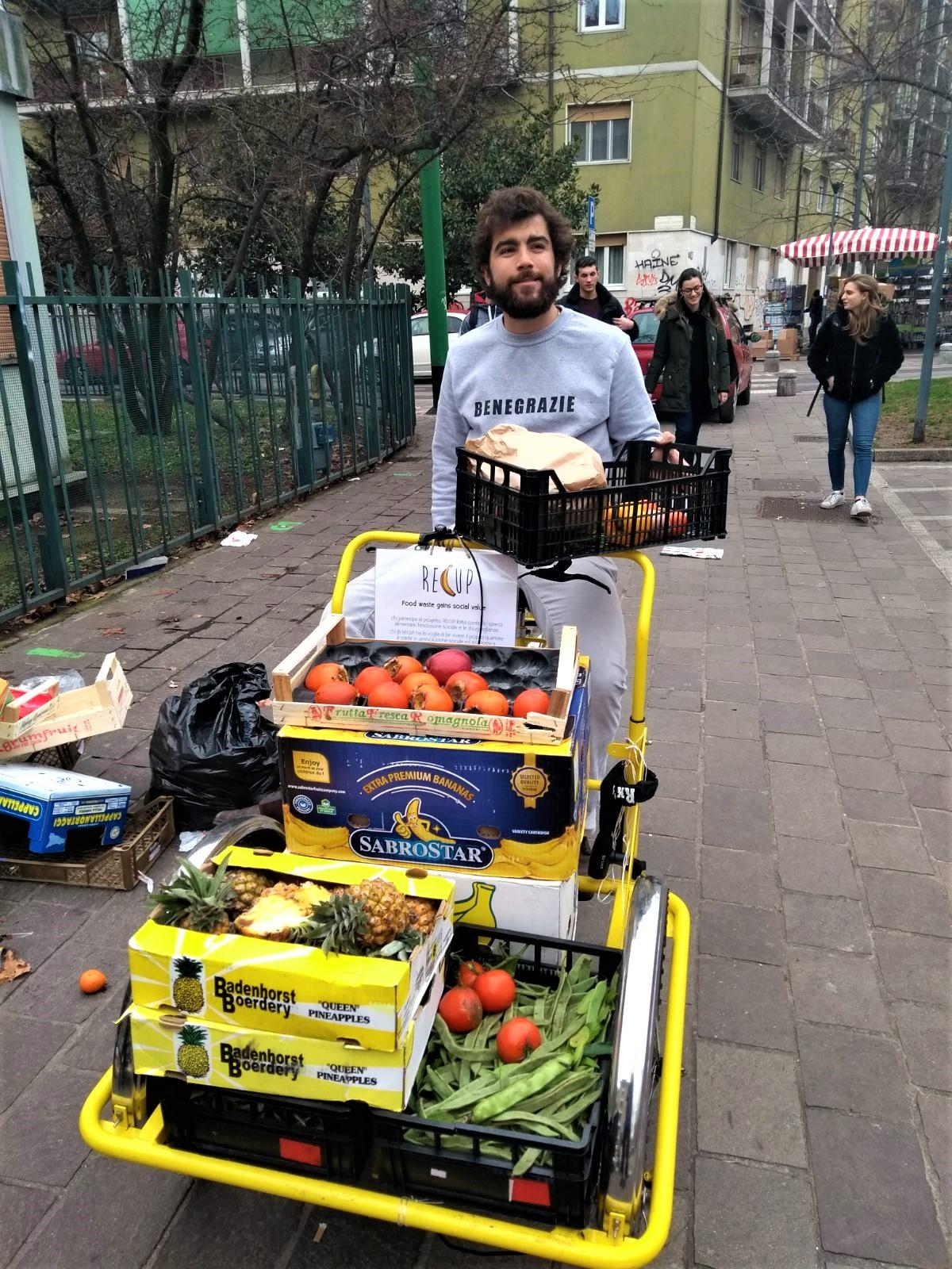 """9de85b4d7a L'obiettivo è lottare contro il fenomeno dello spreco alimentare e insieme  contrastare la marginalità sociale. A conferma che """"il cibo non è solo merce """"."""